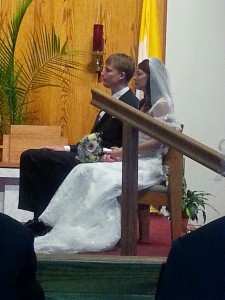 Sitting during the ceremony... gorgeous bride !!!